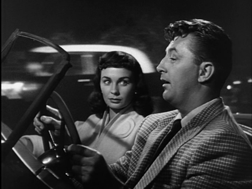 Spoiled rich girl Diane (Jean Simmons) wants Frank (Robert Mitchum) all to herself. So there.