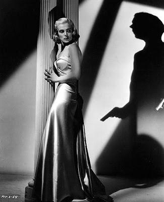 Lizabeth Scott and Dick Powell star in 'Pitfall.'